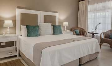 Robberg Beach Lodge  Luxury Accommodation 1