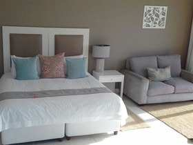 The Robberg Beach Lodge View Room R10 Bedrooom